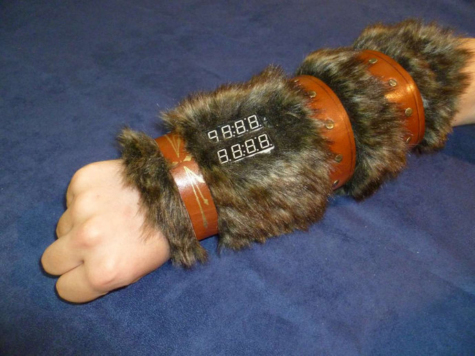Role Playing Dice Gauntlet - Barbarian Fur Style