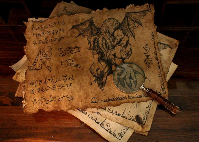 Ancient Parchment Cthulhu Scroll of HP Lovecraft
