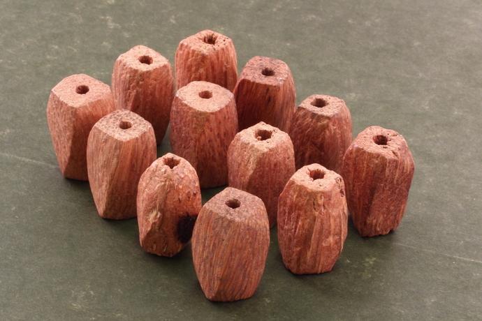 Twisted tan wood beads