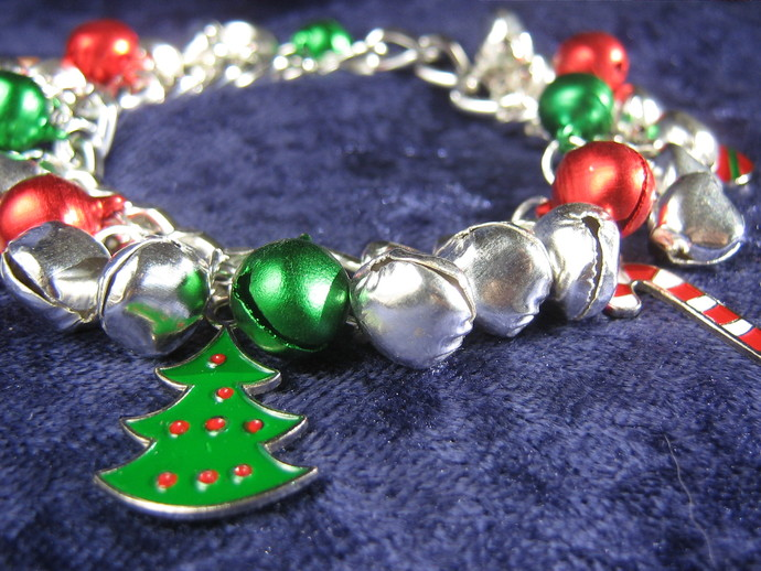 Christmas charm bracelet - 6 inches