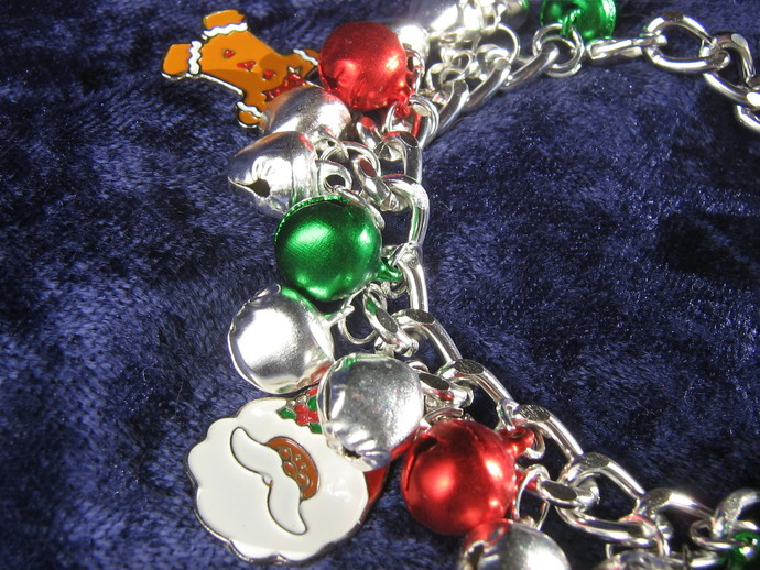 Christmas charm bracelet - 8 inches
