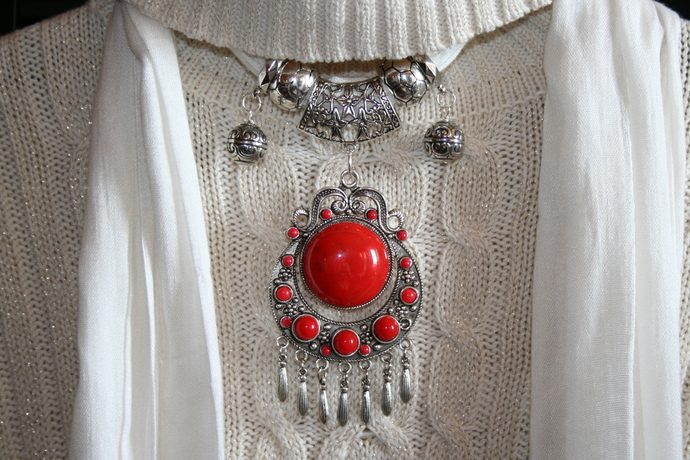 Scarf Jewelry Antique Silver Color Plated Red Resin Scarf Pendant