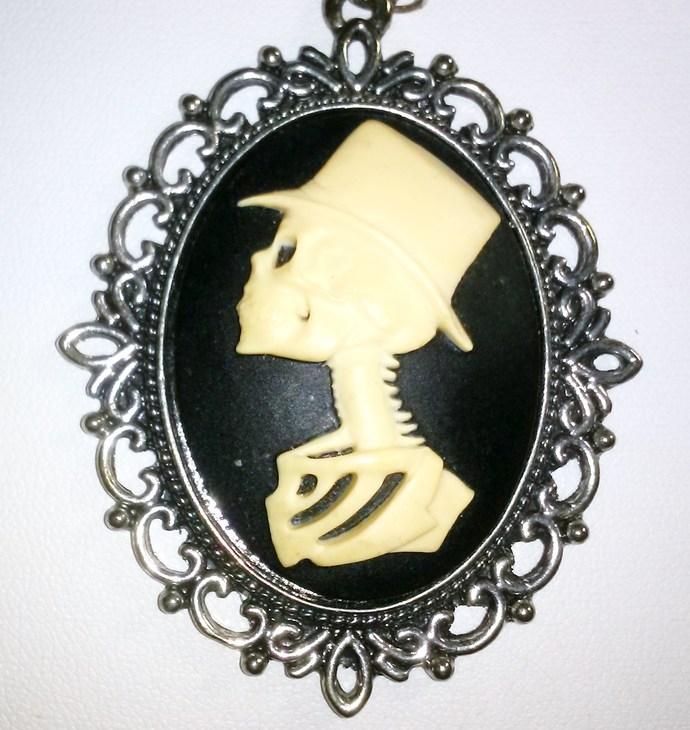 Steampunk Skeleton Groom Cameo