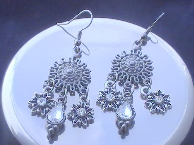 Gunmetal Sun with Flower and Teardrop charmed Earring