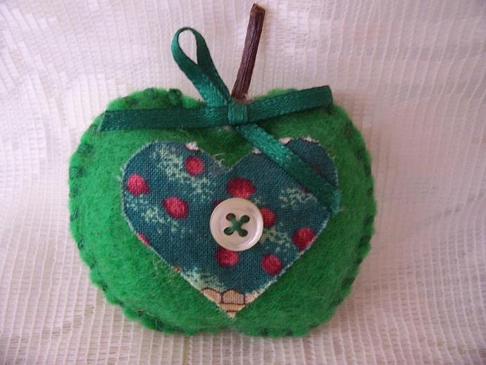 Green Apple Magnet