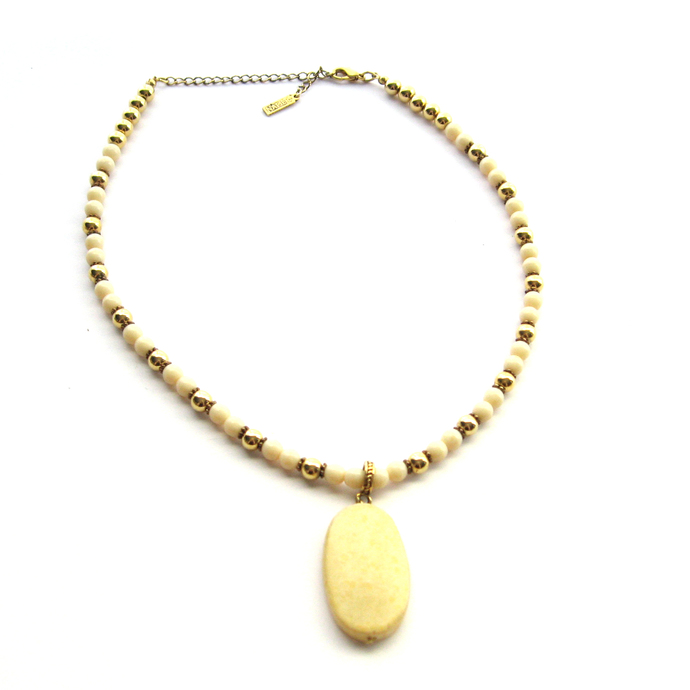 Signed Napier Lovely Vintage Cream and Gold Beaded Necklace with Pendant