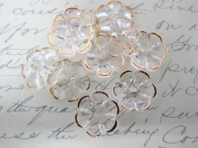 5pcs Acrylic Flower Buttons - Clear /Gold