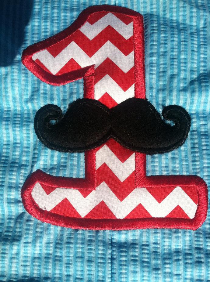 Mustache chevron jon Jon, shortall