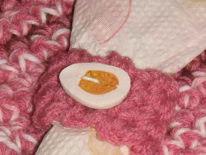 Fun and Funky pink chicken placemat w/ bonus egg coaster and napkin ring