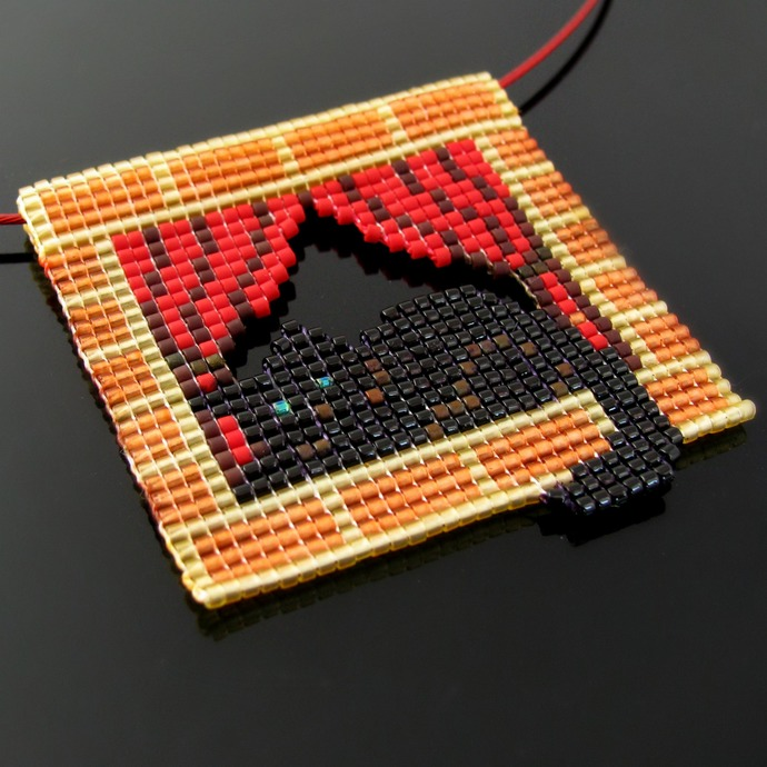 Bead loomed pendant - Black cat in the window