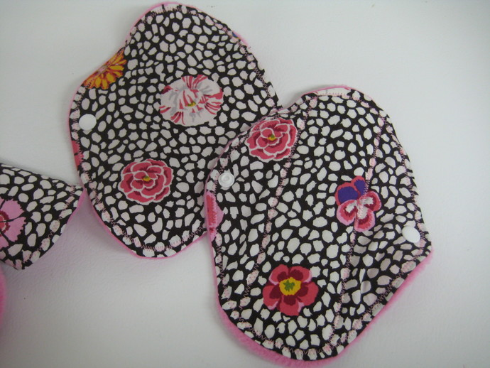 Pop of Pink Flowers Regular Cloth and Bamboo Pad and Pantyliners Starter Pack