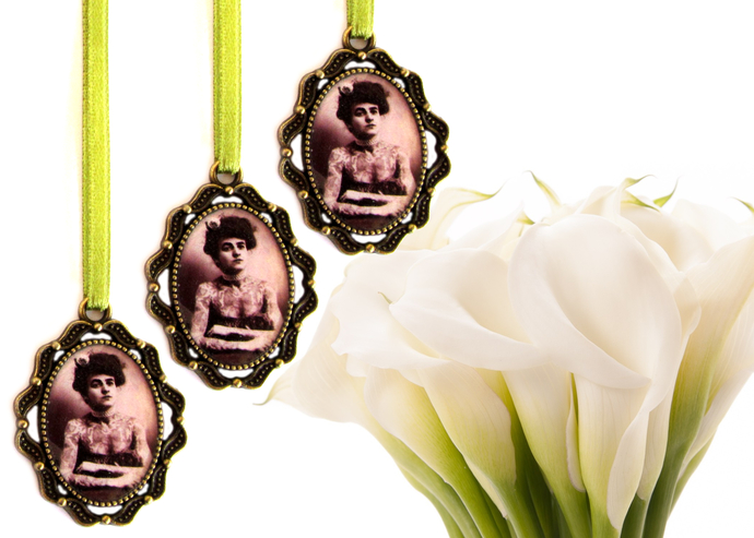 3 custom bouquet charms in antique bronze, custom wedding bouquet photo charm,