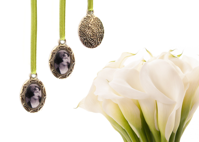 2 custom bouquet charms in antique silver, engraved leaf backing, small oval