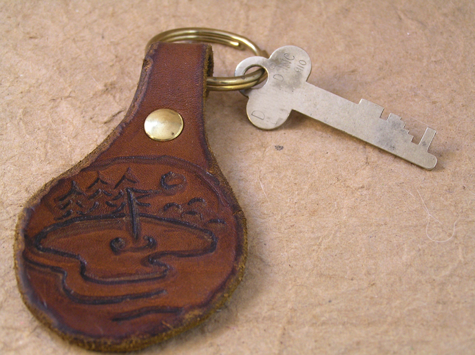 Wood burned leather golf themed keychain