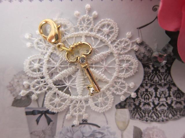 Royal Key Charm - Gold