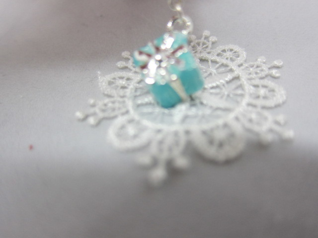 Royal Gift Box with a Bow Charm - Silver/Tiffany Blue