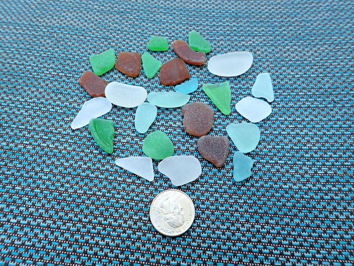 25 Mixed Pieces of Hawaiian Sea Glass