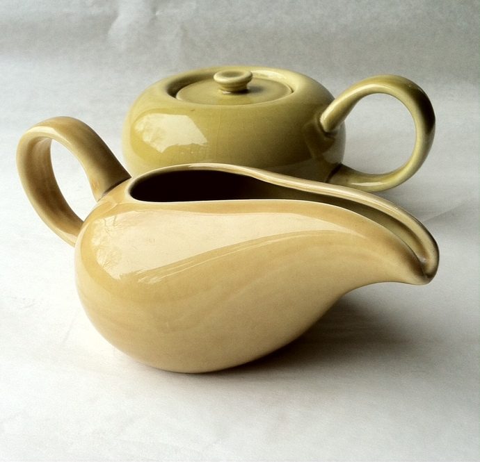 Russel Wright Sugar Bowl and Creamer