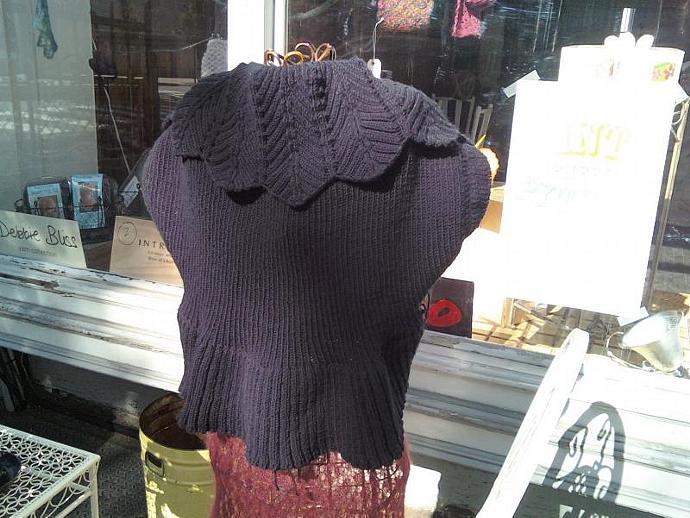 Black Dahlia Shrug Pattern