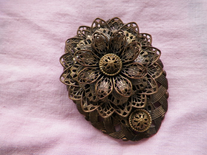 Antique Art Nouveau Flower Dress Clip
