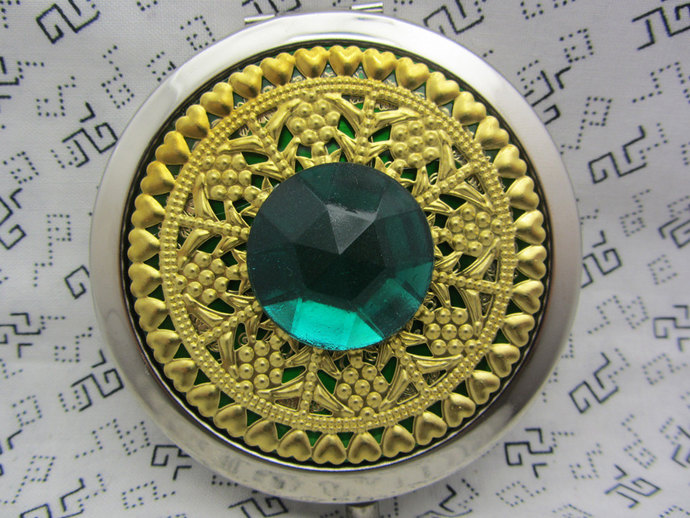 Compact Mirror Bridesmaid Gift The Big Bling in Emerald Green May Birthstone