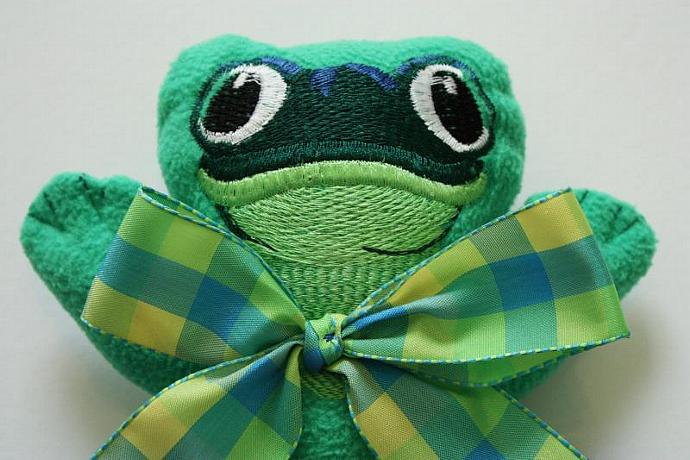 Green Tree Frog Lovey Blanket, Satin, Baby Blanket, Stuffed Animal, Baby Toy -