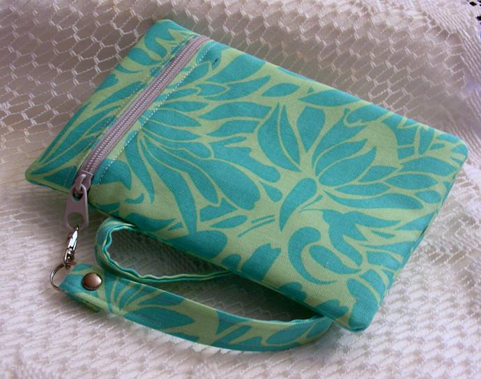 Wristlet Zipper Gadget Holder - Amy Butler Print