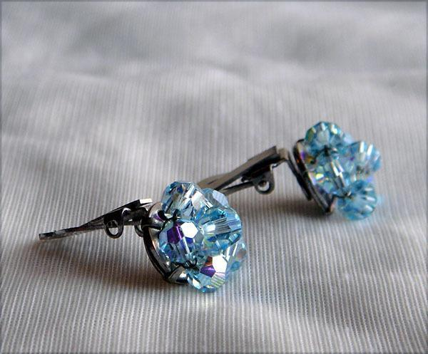 Vintage - Light Blue Faceted Glass Beads Clip Style