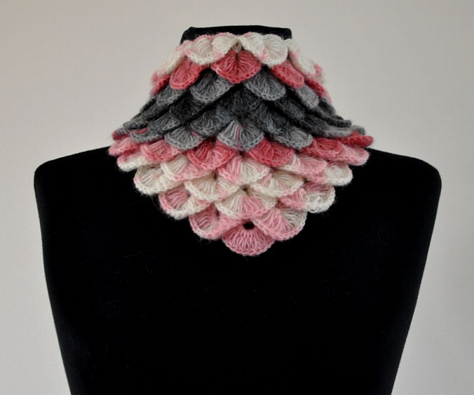 Triangle Mohair Warm Cowl - Pink Gray White
